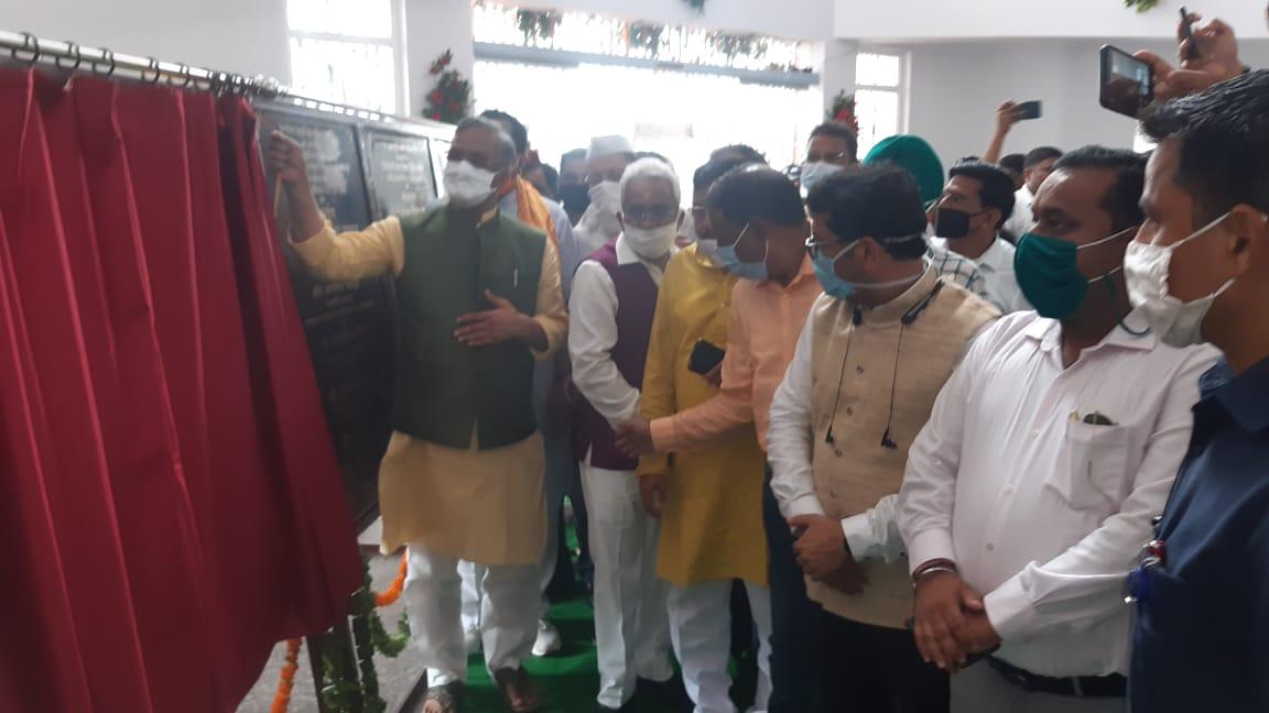मुख्यमंत्री ने किया 300 बेड के कोविड-19 अस्पताल का लोकार्पण