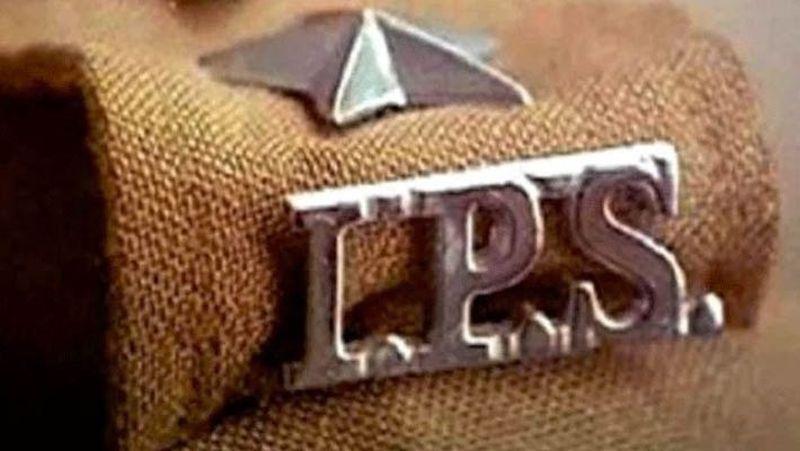 यूपी में 15 आईपीएस अफसरों के तबादले