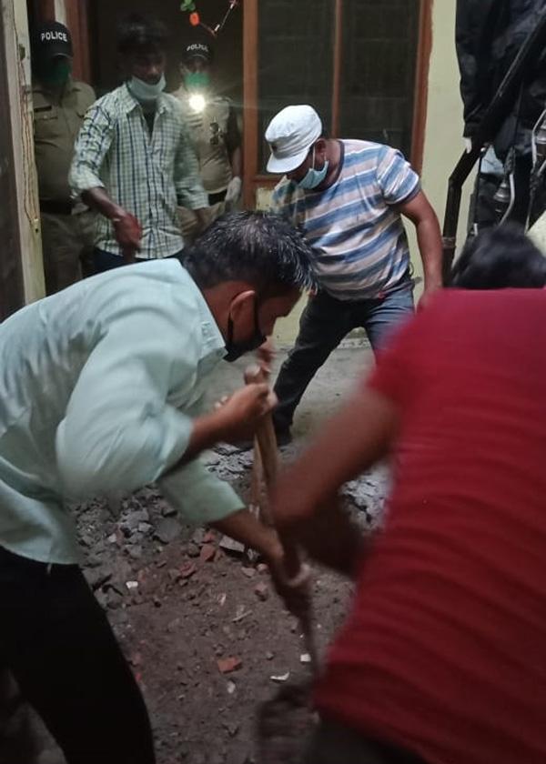 रुद्रपुर में चार लोगों का खून !