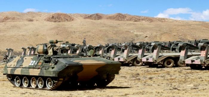 लद्दाख में तनाव : चीन ने LAC पर सैनिकों और टैंकों की बढ़ाई तैनाती