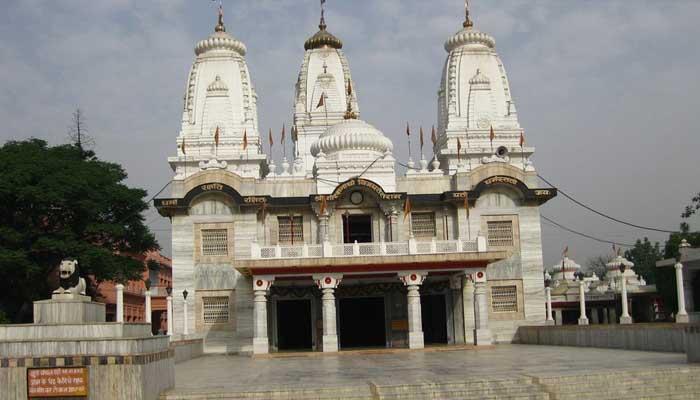 24 घंटे में गोरखनाथ मंदिर उड़ाने की धमकी, युवक गिरफ्तार