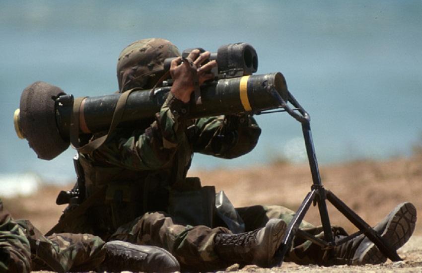 एलएसी पर युद्ध जैसी तैयारी, टैंक्स और आधुनिक हथियार तैनात