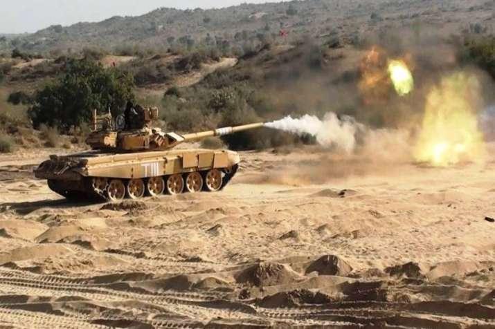 भारत-चीन में बढ़ा तनाव, एलएसी के दोनों तरफ टैंक तैनात