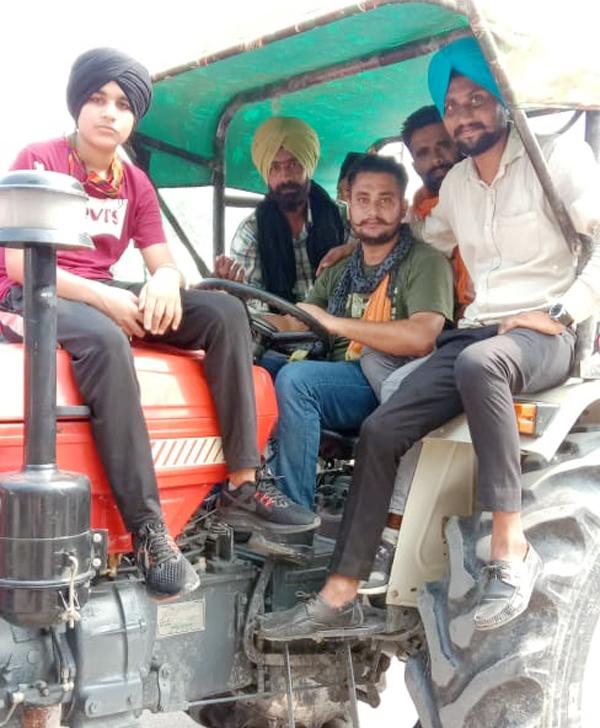 केन्द्र सरकार के खिलाफ गरजे किसान