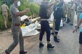 केरल में नेवी का ग्लाइडर हादसे का शिकार, 2 नौसैनिकों की मौत