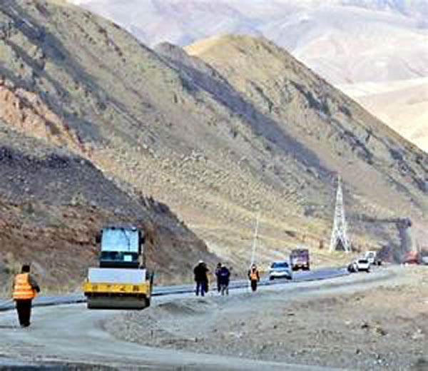 नेपाल की नई चाल : चार माह में ही बना ली 550 मीटर लंबी सड़क