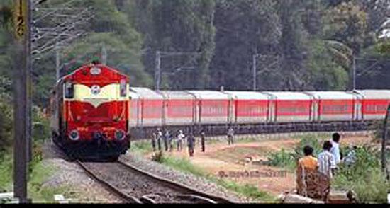 फेस्टिवल स्पेशल ट्रेनों का किराया 30 प्रतिशत अधिक वसूलेगा रेलवे