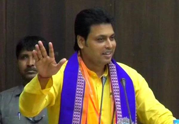 त्रिपुरा की बीजेपी सरकार पर संकट, सात विधायकों का दिल्ली में डेरा