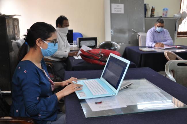 दिल्ली सरकार के 50 फीसदी कर्मचारी ही जाएंगे दफ्तर
