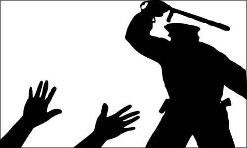 रुद्रपुर में भाजपा नेता के घर में घुसकर पुलिस ने की मारपीट, चौकी में धरना