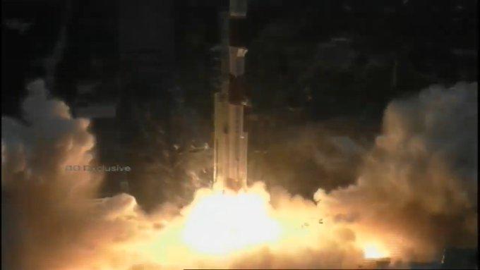 इसरो ने लांच किए ईओएस 01 समेत 10 उपग्रह