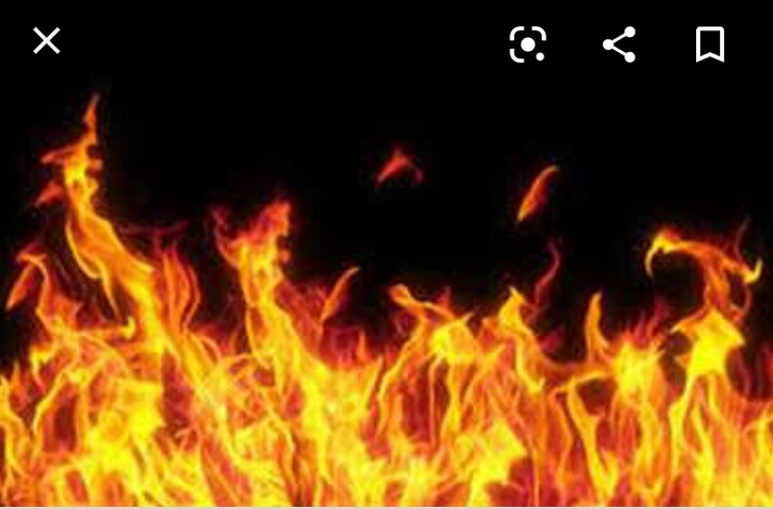दिवाली से पहले एक करोड़ स्वाहा : इलेक्ट्रॉनिक गोदाम में भड़की आग