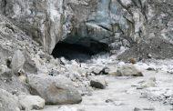 तेजी से पिघल रहा गंगोत्री ग्लेशियर, झीलें बनीं