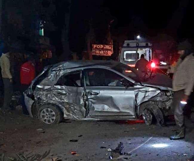 ऋषिकेश मेंं मनसादेवी के पास पेड़ से टकराई बेकाबू कार, दो लोग मरे