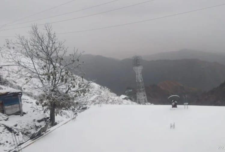 Weather Today : उत्तराखंड के ज्यादातर हिस्सों में शनिवार तड़के से बारिश, पहाड़ों पर बर्फवारी