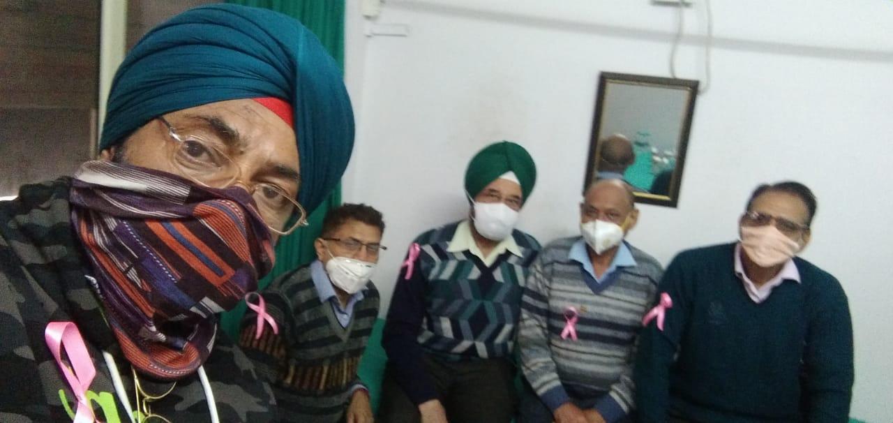 रुद्रपुर में मेडिकल कैंप में मरीजों की मुफ्त जांच, परामर्श भी दिया