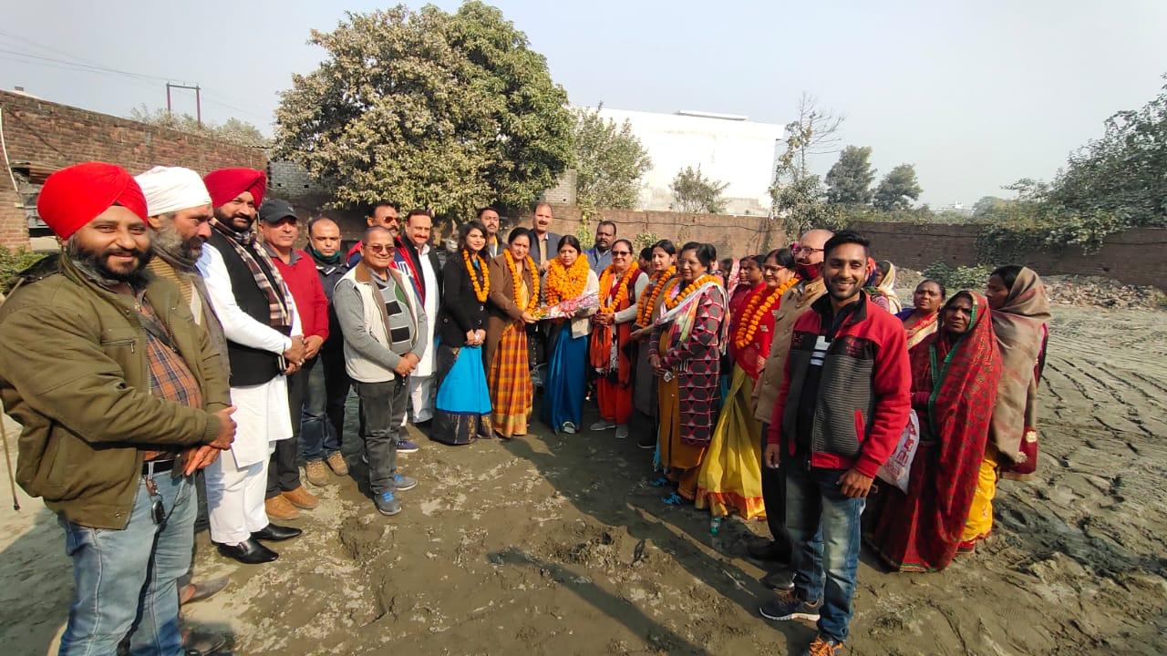 सुनीता कश्यप की महिला कांग्रेस प्रदेश सचिव पद पर ताजपोशी,शानदार स्वागत