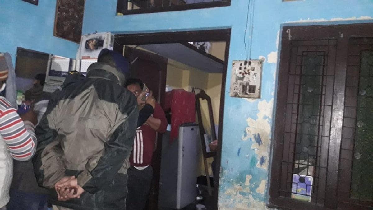 मेरठ: बीवी और तीन बच्चों का कत्ल कर खुद भी फांसी पर लटक गया