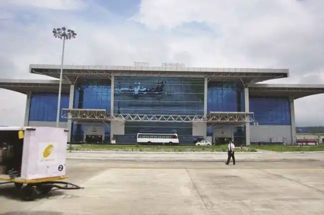 उत्तराखंड: मौसम की खराबी से जौलीग्रांट एयरपोर्ट पर तीन फ्लाइट्स कैंसिल