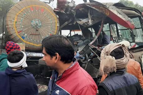संभल में भयंकर सड़क हादसा, 7 मरे, 25 घायल