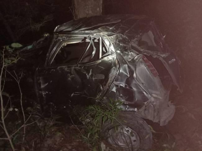 चकराता घूमने आए राजस्थानी पर्यटकों की कार खाई में गिरी, एक की मौत, दो गंभीर घायल