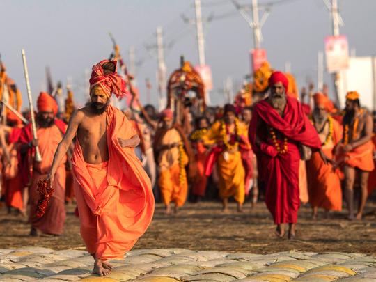 कुंभ 2021: साधु-संतों के इलाज के लिए एम्स और हरिद्वार में खुलेगा विशेष काउंटर