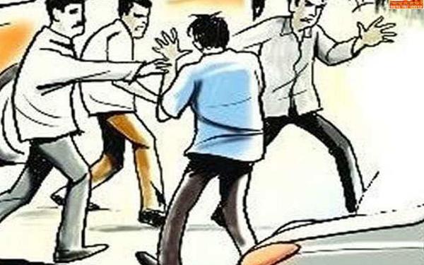 लालपुर टोल पर खुली गुंडई, ' एयरगन ' लहराकर कर्मचारियों को धमकाया