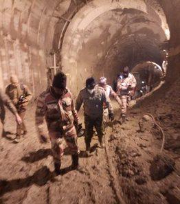 उत्तराखंड त्रासदी : सुरंग से 34 जिंदगियां बचाने के लिए जुटे हैं सुरक्षाबलों के 800 जवान