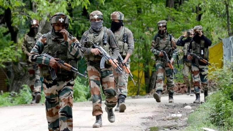 श्रीनगर में आतंकवादियों ने पुलिस पर किया हमला, दो जवान शहीद