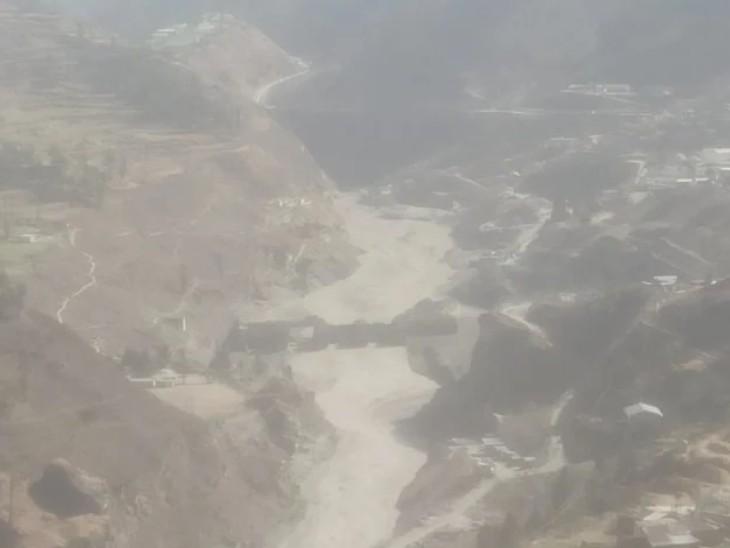 चमोली में ग्लेशियर टूटने से 170 लोगों की मौत की आशंका, 10 शव बरामद किए, तपोवन के पास बनी झील