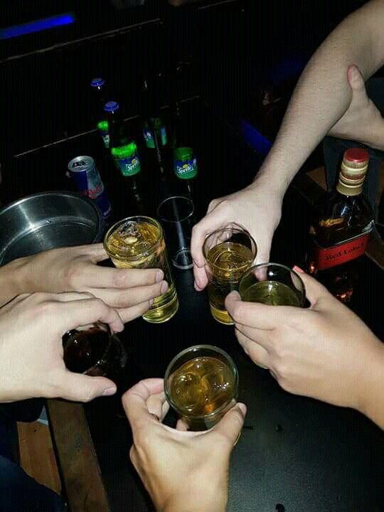 दारू पार्टी में निपट गए वन निगम के 5 कर्मचारी