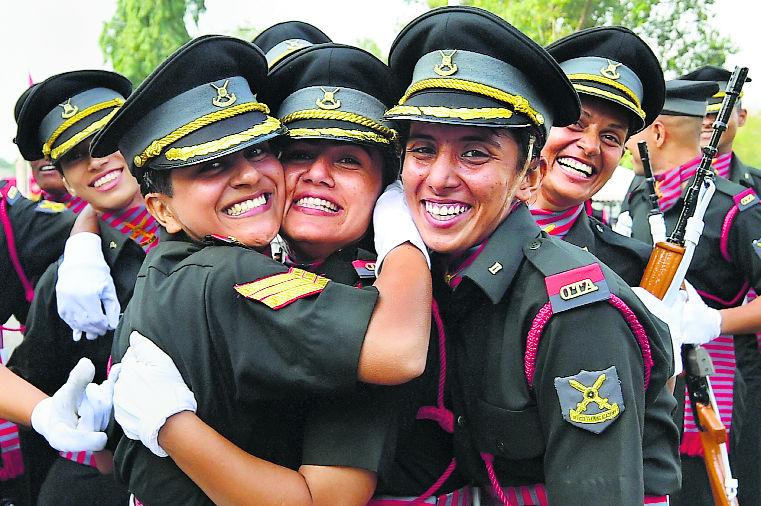 सेना में महिला अफसरों की बड़ी जीत, SC ने कहा - स्थायी कमीशन के लिए मेडिकल फिटनेस मापदंड मनमाना