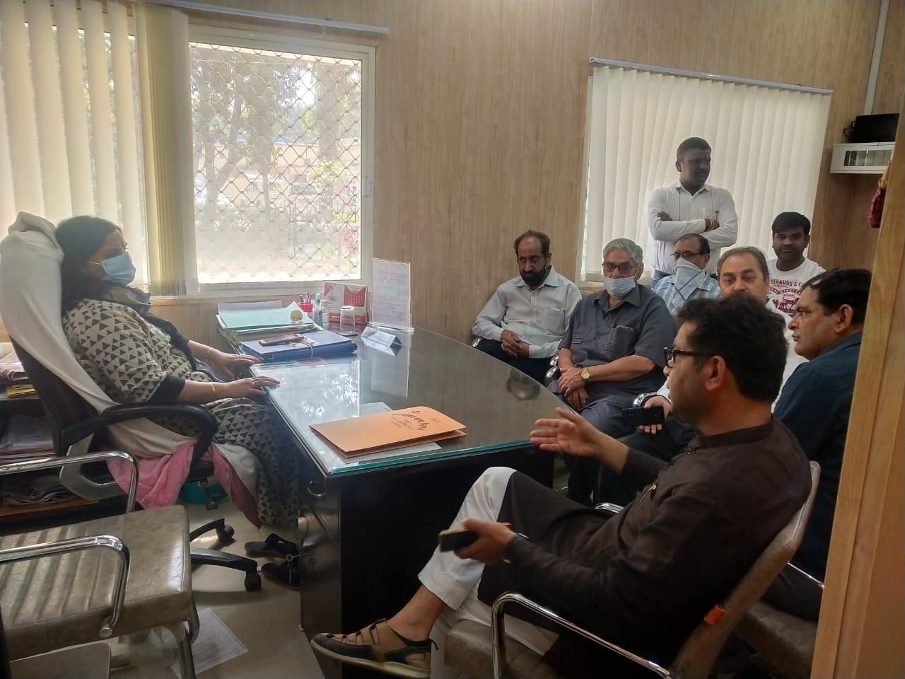 धार्मिक संस्थाओं के विरुद्ध कार्यवाही पर बिगड़े शिव अरोरा