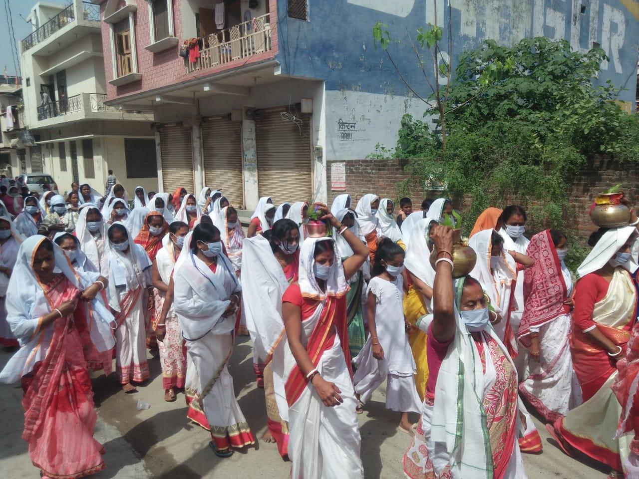 कलश यात्रा के साथ श्री शनि महाराज की वार्षिक पूजा शुरू