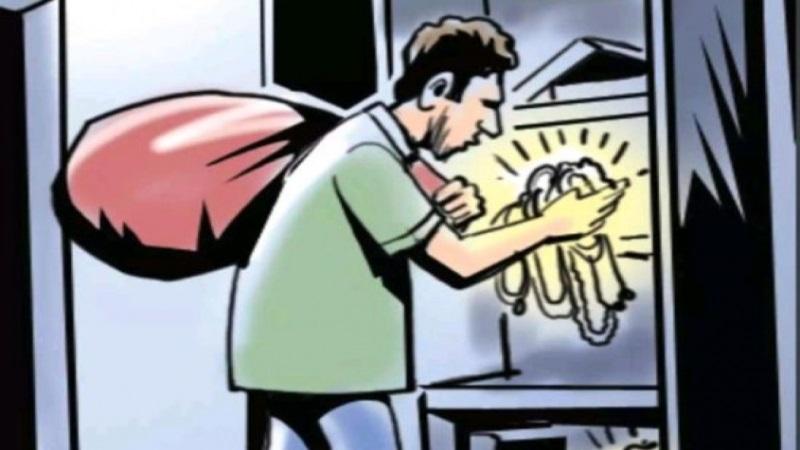 चोरों ने घर में धावा बोल लाखों का माल उड़ाया
