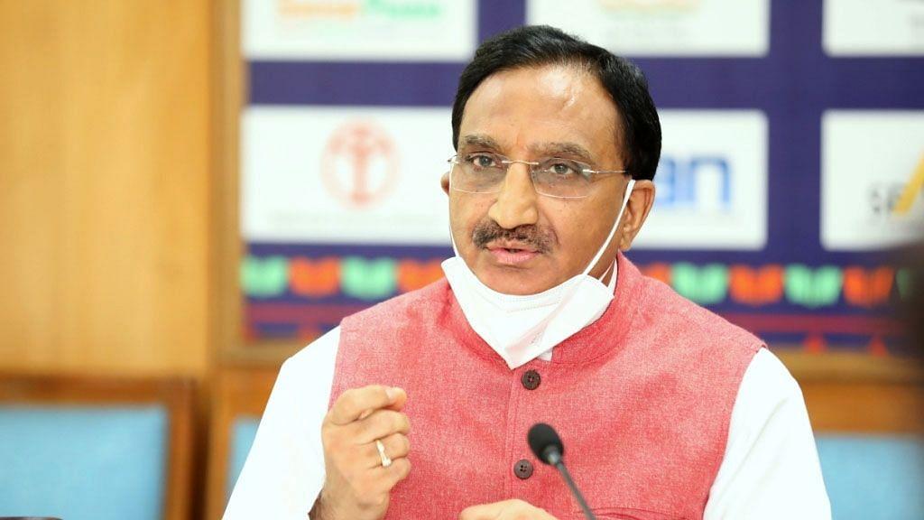शिक्षा मंत्री ने कहा- शिक्षा बजट में कटौती नहीं हुई, नयी शिक्षा नीति आत्मनिर्भर भारत की आधारशिला