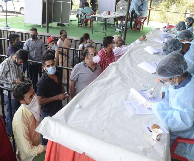 उत्तराखंड में कोरोना को लेकर स्थिति हो रही भयावह, बुधवार को प्रदेश में मिले 1109 लोग संक्रमित