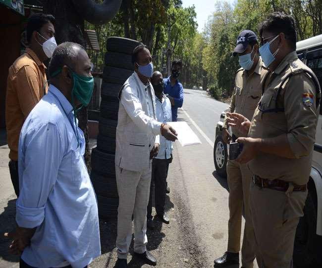बिना पंजीकरण कराए उत्तराखंड में प्रवेश को पहुंच रहे कई यात्री, पुलिस ने लौटाया
