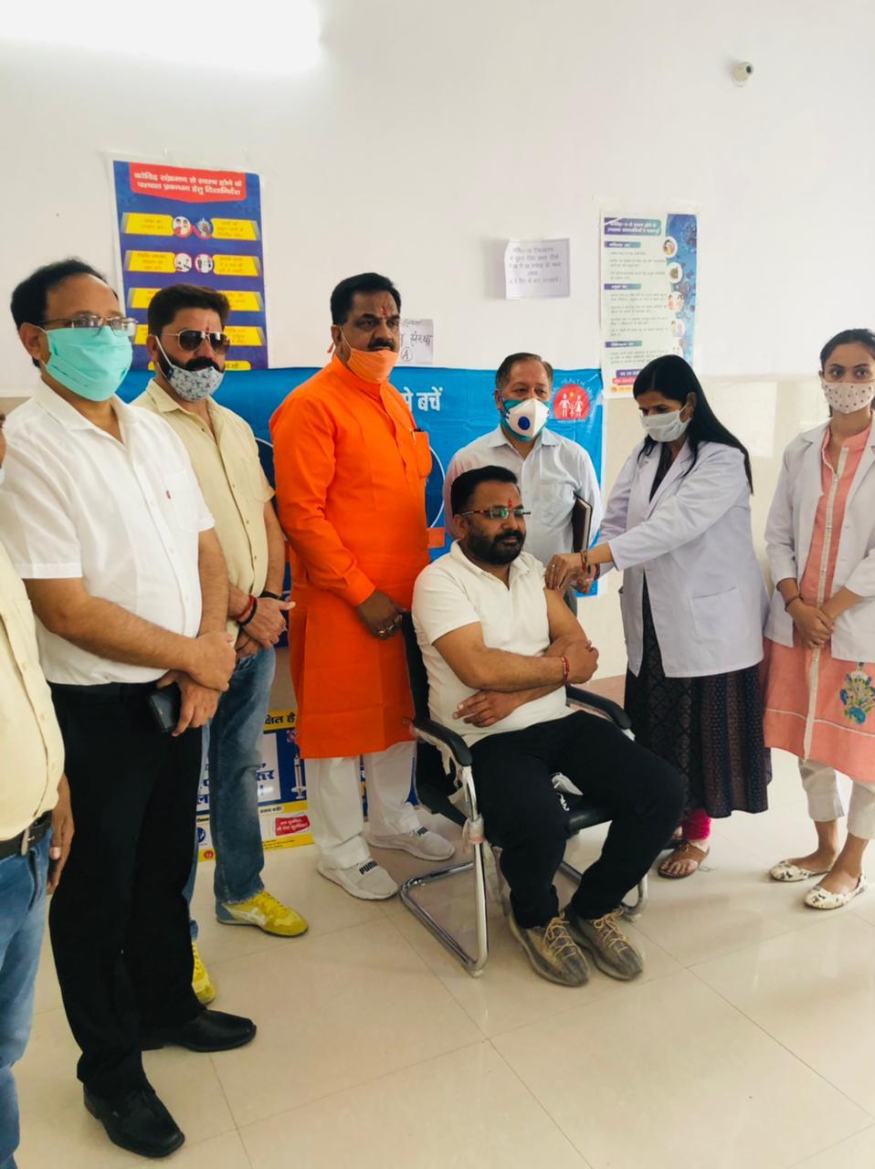 रुद्रपुर मेडिकल कॉलेज में टीका उत्सव का उद्घाटन