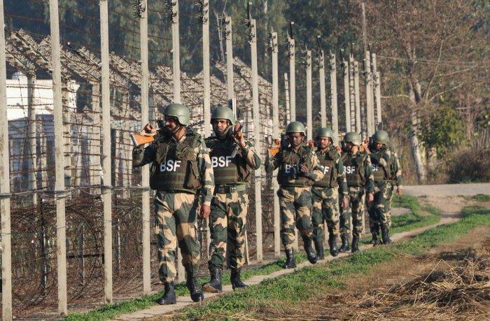 पिछले 24 घंटों में अर्धसैनिकों बलों में कोरोना के 407 नए केस, बीएसएफ में सामने आए सर्वाधिक 288 मामले