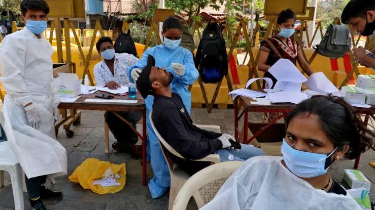 भारत में फिर एक दिन में सामने आए सबसे ज्यादा 3,46,786 नए कोविड-19 केस, 24 घंटे में हुई 2624 मौतें
