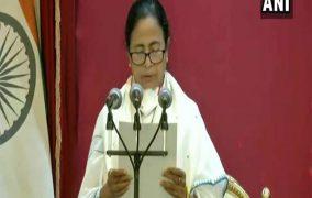 ममता बनर्जी की हैट्रिक, लगातार तीसरी बार बंगाल के मुख्यमंत्री पद की ली शपथ