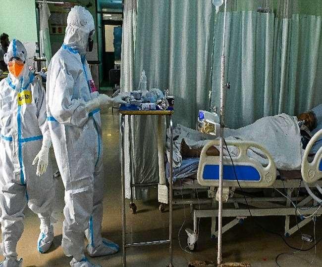 घातक मोड़ पर महामारी की दूसरी लहर: पहली बार 24 घंटों में 4 हजार से अधिक मौतें, 4,01,078 नए मामले दर्ज