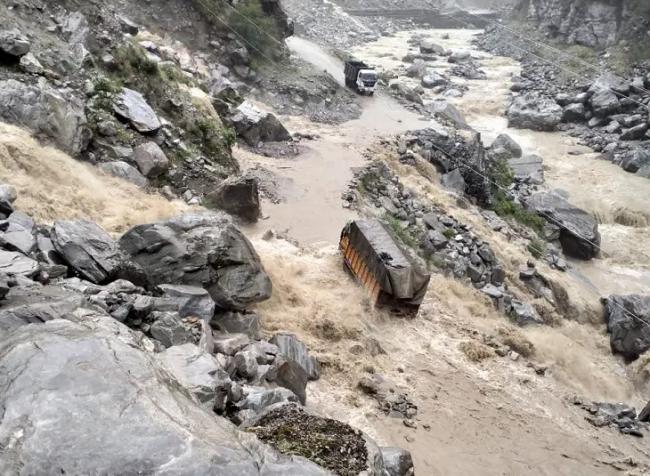 उत्तराखंड में बारिश से बड़ा नुकसान, दो की मौत, 3 लापता