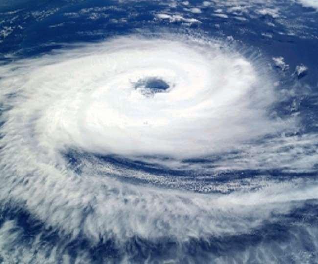 केरल व तमिलनाडु में बाढ़ का खतरा, विस्तारा-इंडिगो की उड़ानें हो सकती हैं प्रभावित