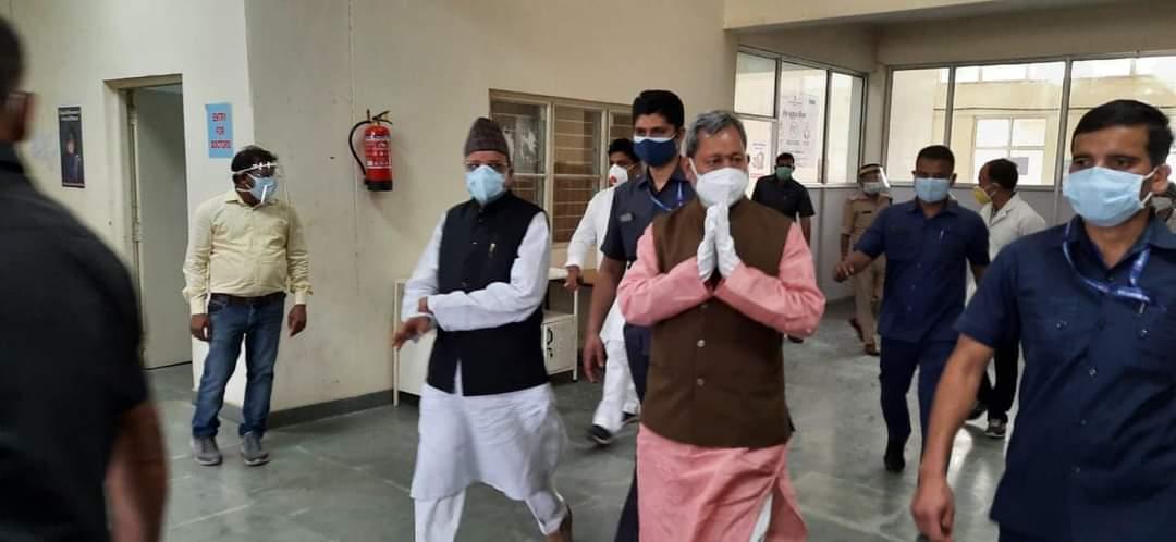 हल्द्वानी में किए जा रहे, कोविड बचाव के लिए चल रहे कार्यों का मुख्यमंत्री ने किया निरीक्षण, साथ ही अजय भट्ट भी रहे मौजूद