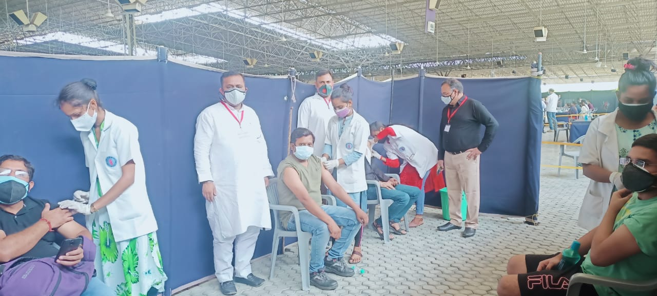 राधा स्वामी सत्संग भवन में शुरू हुआ 18 वर्ष से अधिक आयु के युवाओं का वैक्सीनेशन