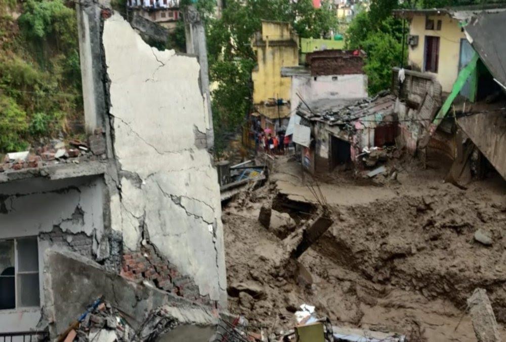 उत्तराखंड ब्रेकिंग न्यूज़ : देवप्रयाग में बादल फटने से मची तबाही, स्थिति क्षतिग्रस्त