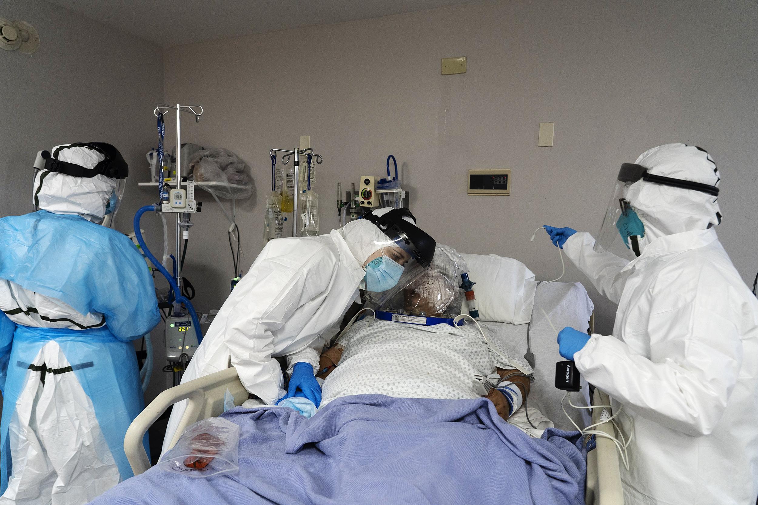 कोरोना के प्रकोप से उबरे लोगों को खतरा, बढ़ रहे हैं मौत के मामले