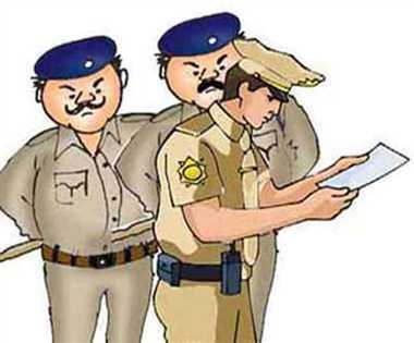 देवरिया टोल प्लाजा पर पुलिस और ग्राम प्रधान में हाथापाई